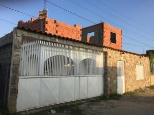 Casa en Tucacas Falcon,Santa Rosa REF: 17-506