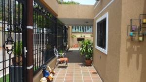 Casa en Maracaibo Zulia,Cumbres de Maracaibo REF: 17-493