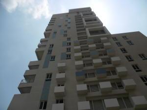 Apartamento en Maracaibo Zulia,Avenida Bella Vista REF: 17-480