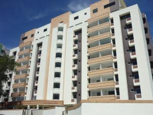 Apartamento en Valencia Carabobo,Campo Alegre REF: 17-894