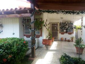 Casa en Cabimas Zulia,Cumana REF: 17-802