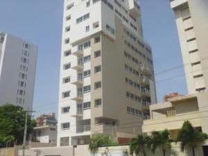 Apartamento en Maracaibo Zulia,Avenida El Milagro REF: 17-877