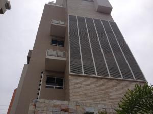 Apartamento en Maracaibo Zulia,Avenida El Milagro REF: 17-878