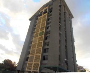 Apartamento en Maracay Aragua,Urbanizacion El Centro REF: 17-886