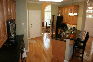 Kitchen - clean, fresh granite